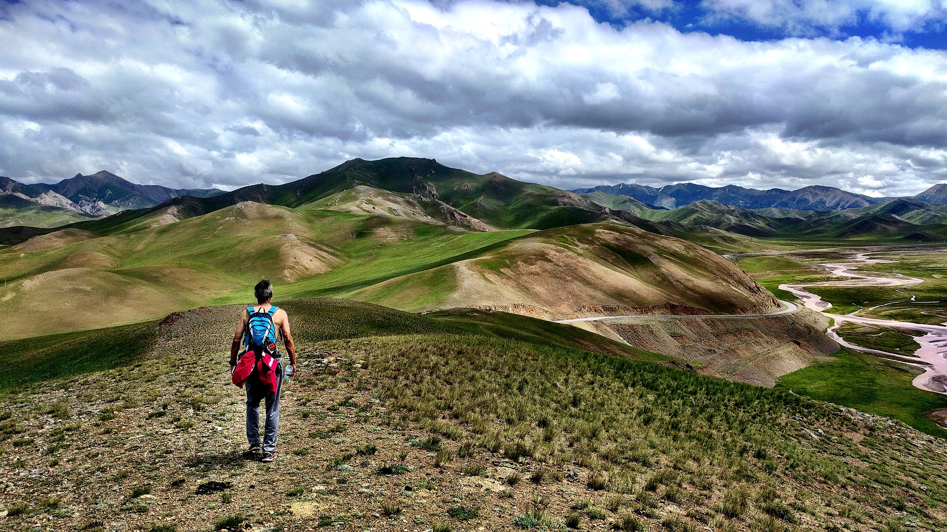 Voyager au Kirghizistan: conseils pour une virée à vélo au lac Song Kul
