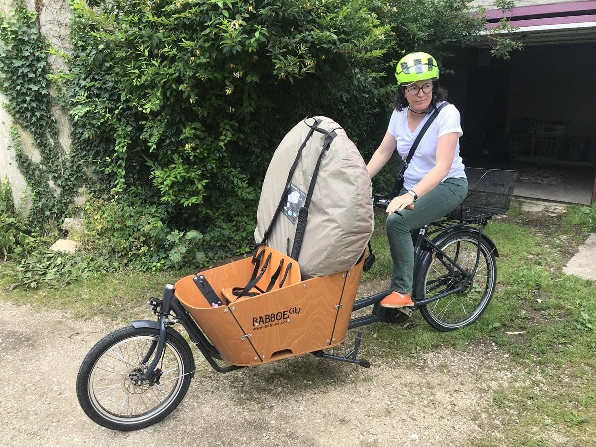 vélo cargo Babboe avec une tente